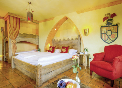 Hotelzimmer mit Mountainbike im Hotel Castillo Alcazar