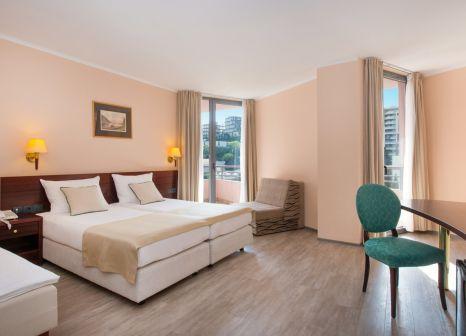 Hotelzimmer mit Volleyball im Iberostar Bellevue