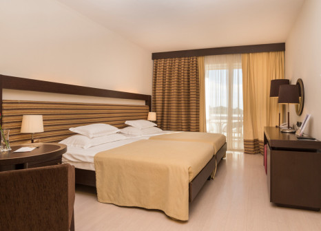 Hotelzimmer mit Mountainbike im Sol Garden Istra