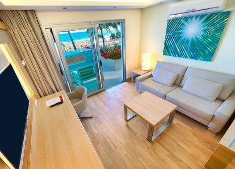 Hotelzimmer mit Volleyball im Bull Hotel Costa Canaria & Spa