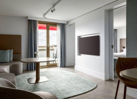 Hotelzimmer mit Mountainbike im Marriott Amsterdam