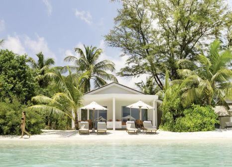 Hotelzimmer mit Mountainbike im LUX* South Ari Atoll Resort & Villas