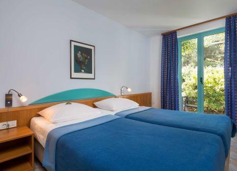 Hotelzimmer mit Volleyball im BRETANIDE Sport & Wellness Resort