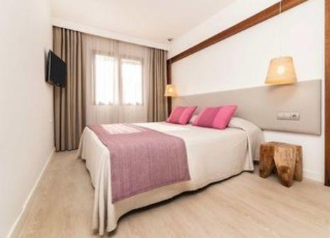 Hotelzimmer mit Minigolf im Hotel Playasol Cala Tarida