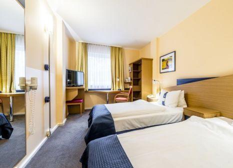Hotelzimmer mit Aufzug im Holiday Inn Express Frankfurt Airport