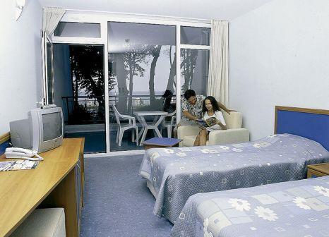 Hotelzimmer mit Mountainbike im Suneo Club Helios Beach