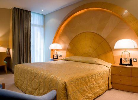 Hotelzimmer mit Minigolf im Mercure Grand Jebel Hafeet Al Ain Hotel