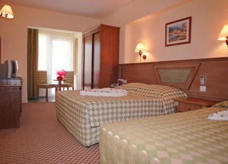Hotelzimmer mit Tischtennis im Hotel Eken Resort
