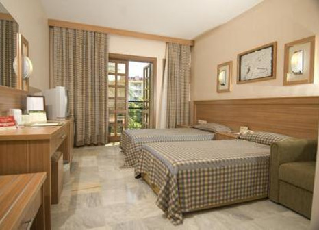 Hotelzimmer mit Volleyball im Club Hotel Phaselis Rose