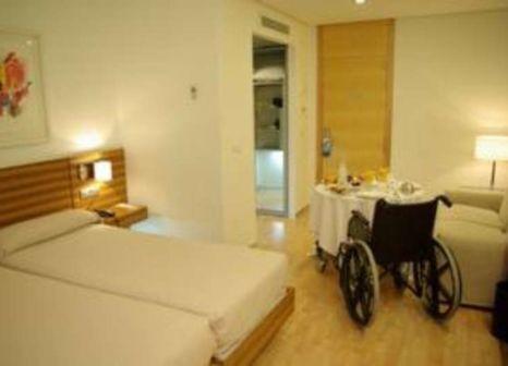 Hotelzimmer mit Mountainbike im Neptuno