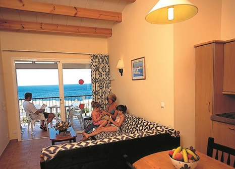 Hotelzimmer mit Mountainbike im RV Hotel Sea Club Menorca