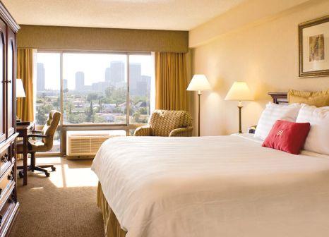Hotelzimmer mit Pool im Beverly Hills Marriott