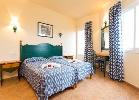 Hotelzimmer mit Volleyball im RV Hotel Sea Club Menorca