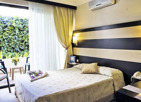 Hotelzimmer mit Mountainbike im Piril Hotel Thermal & Beauty Spa