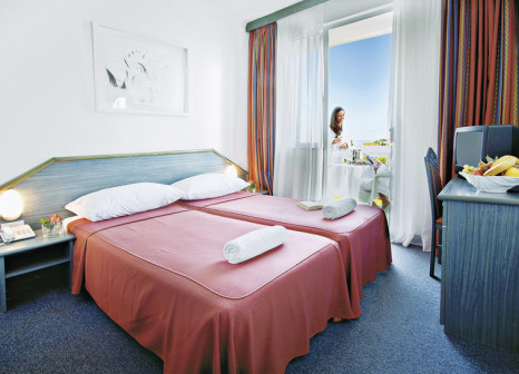 Hotelzimmer mit Mountainbike im Aminess Laguna Hotel