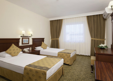 Hotelzimmer mit Fitness im Royal Garden Suit Hotel