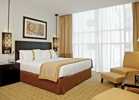 Hotelzimmer mit Yoga im Holiday Inn Dubai - Al Barsha