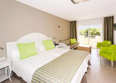 Hotelzimmer mit Tischtennis im allsun Hotel Paguera Park