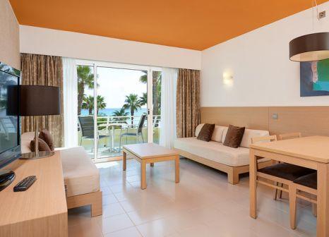 Hotelzimmer mit Mountainbike im Hipotels Mediterráneo Club