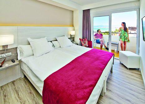 Hotelzimmer mit Wassersport im allsun Hotel Kontiki Playa