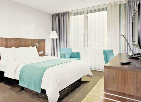 Hotelzimmer mit Aerobic im Holiday Inn Düsseldorf - Hafen