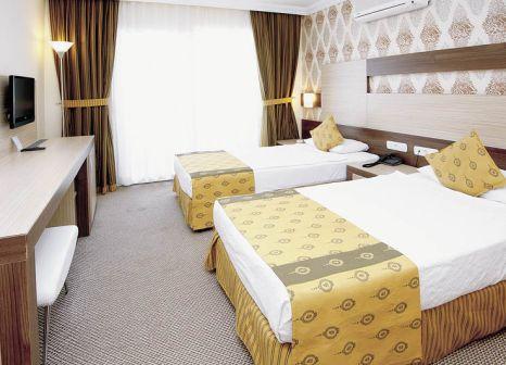Hotelzimmer mit Tischtennis im Royal Garden Suit Hotel