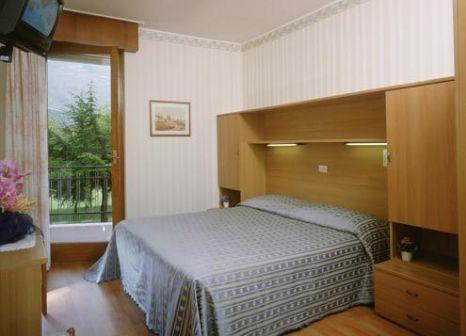 Hotelzimmer mit Tischtennis im Angelini