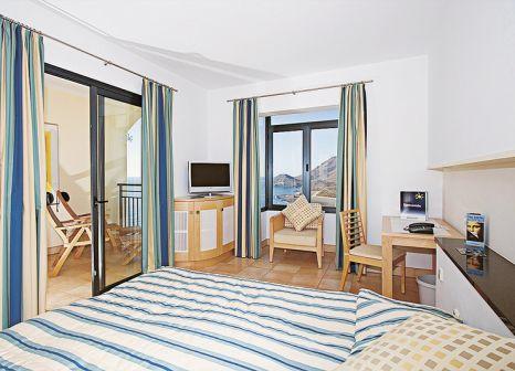 Hotelzimmer mit Volleyball im Playitas Hotel