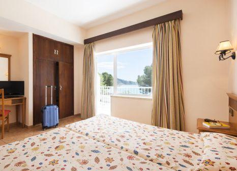 Hotelzimmer mit Golf im Hostal Neptuno