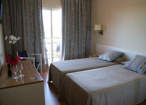 Hotelzimmer mit Mountainbike im SET Hotels Playa Azul