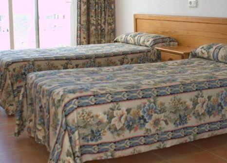 Hotelzimmer mit Kinderpool im Hostal Anibal