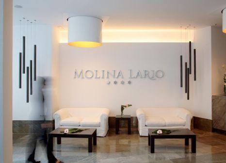 Hotelzimmer mit Hochstuhl im Molina Lario