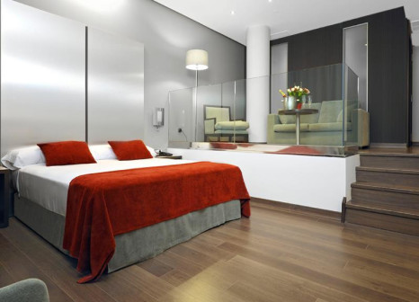 Hotelzimmer mit Mountainbike im Sercotel Coliseo