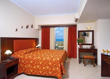 Hotelzimmer mit Tischtennis im Selini Suites