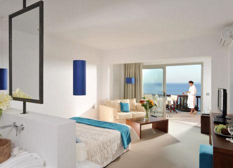 Hotelzimmer mit Volleyball im Sea Side Resort & Spa