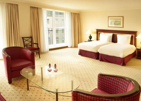 Hotelzimmer mit Mountainbike im Hilton Antwerp Old Town
