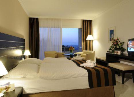 Hotelzimmer mit Mountainbike im allsun Hotel Esquinzo Beach