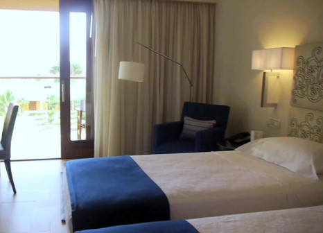 Hotelzimmer mit Minigolf im Kernos Beach