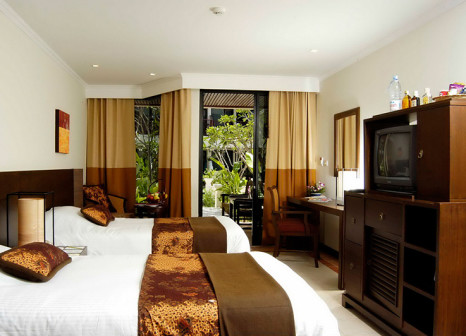 Hotelzimmer mit Volleyball im Andacura Beachfront Collextion Panwa Phuket