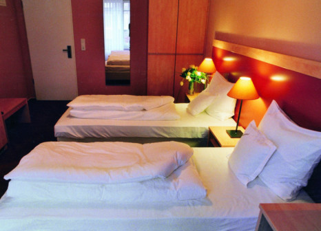 Hotelzimmer mit Hallenbad im ACHAT Plaza Hamburg/Buchholz