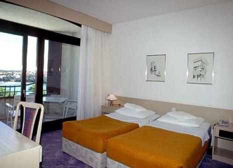 Hotelzimmer mit Volleyball im Park Plaza Histria Pula & Marina Wing