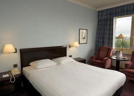 Hotelzimmer mit Mountainbike im Apollo Hotel Amsterdam
