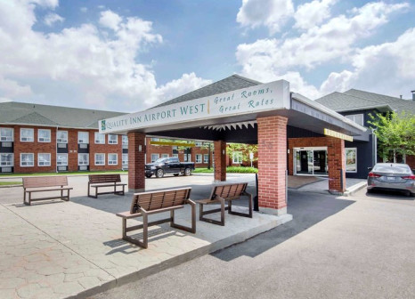 Hotel Quality Inn Airport West günstig bei weg.de buchen - Bild von FTI Touristik