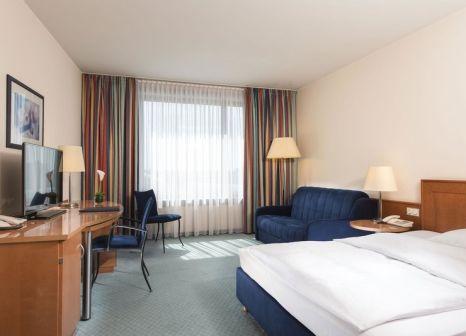 Hotelzimmer mit Hallenbad im Maritim Hotel Frankfurt