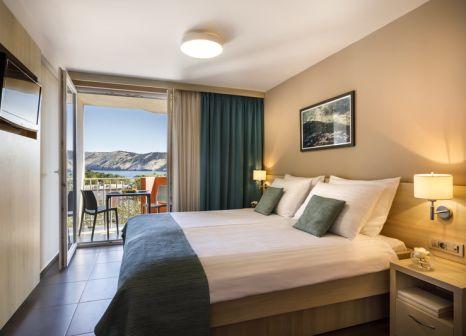 Hotelzimmer mit Minigolf im Lopar Family Hotel