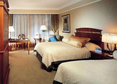 Hotelzimmer mit Tennis im The Ritz-Carlton Istanbul