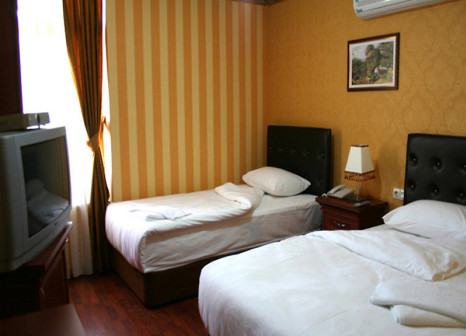 Hotelzimmer mit Pool im Best Nobel