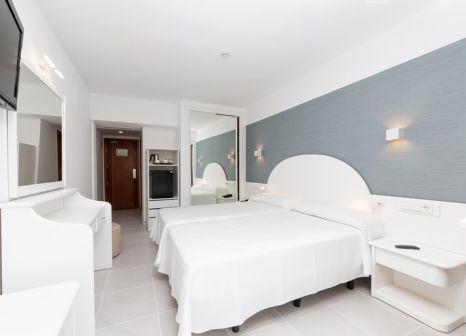 Hotelzimmer mit Golf im Sky Senses Hotel