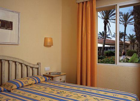 Hotelzimmer mit Mountainbike im PortBlue Las Palmeras