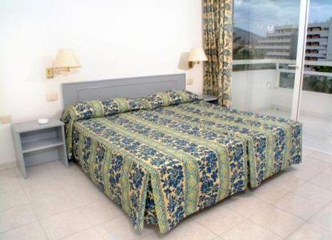 Hotelzimmer mit Tischtennis im Ponderosa Hotel Apartment